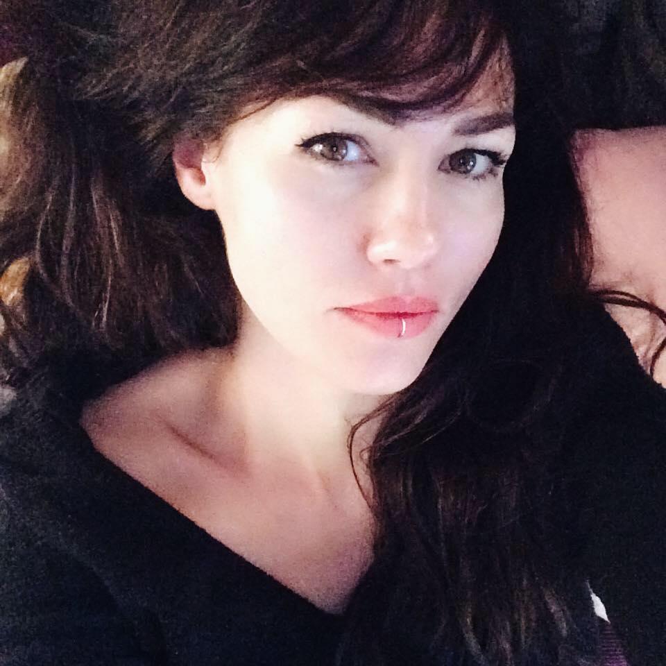 Dora Borostyan, Makeup Artist