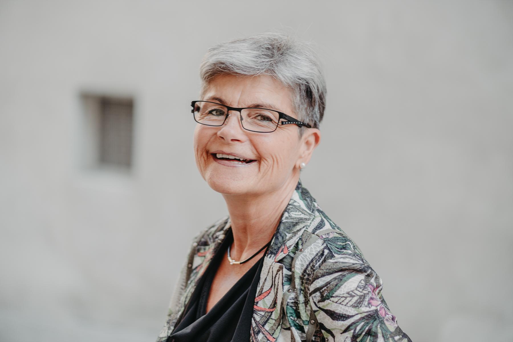 Angela Flatzek, Zeremonienleiterin